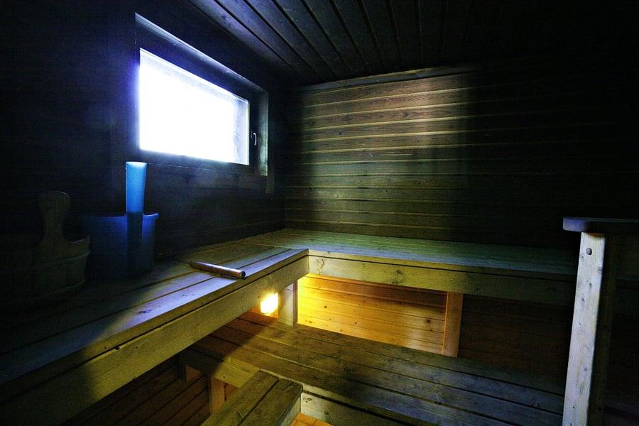 Strukan vuokramökillä on puulämmitteinen sauna